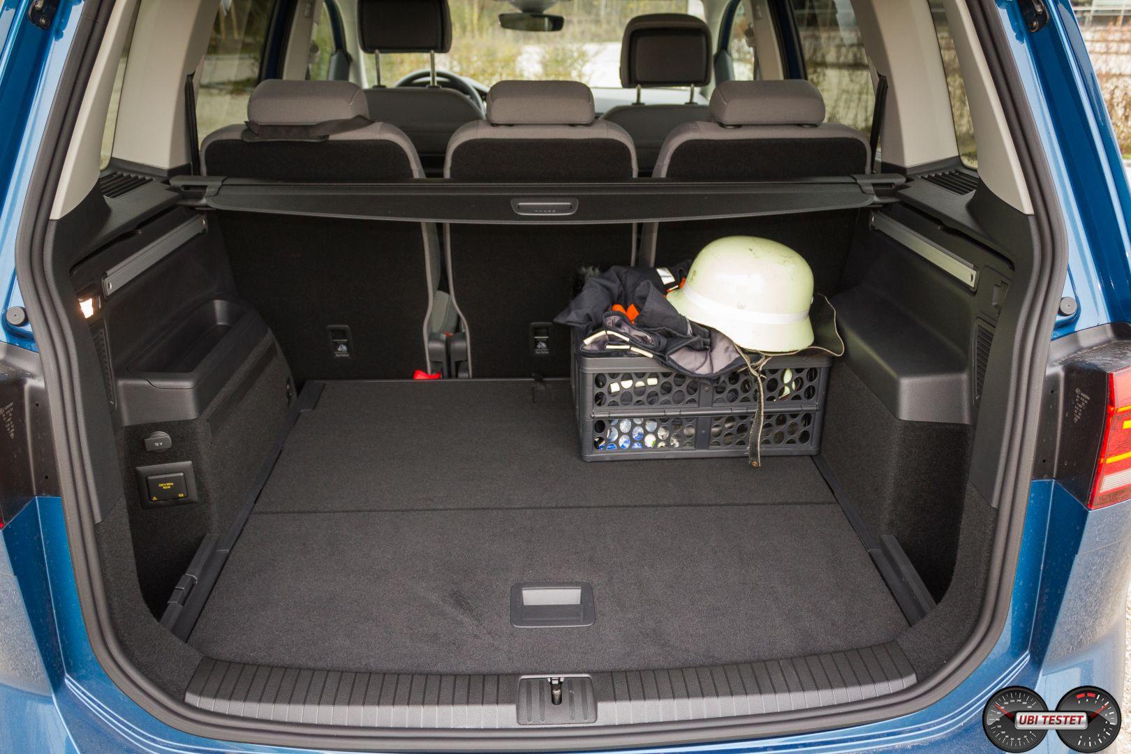 vw touran kofferraum 5 sitzer ubi testet. Black Bedroom Furniture Sets. Home Design Ideas